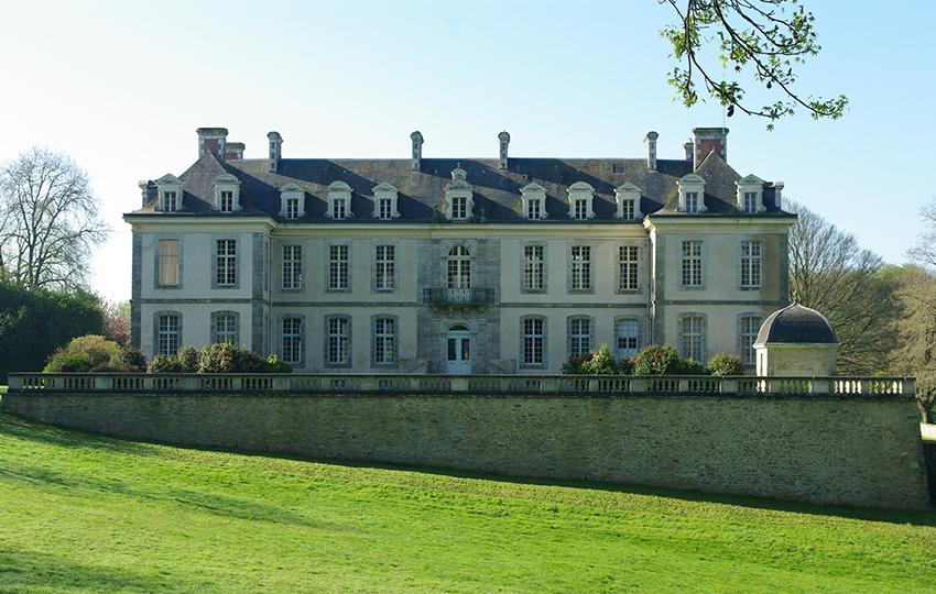 Le chateau de Kerguehennec